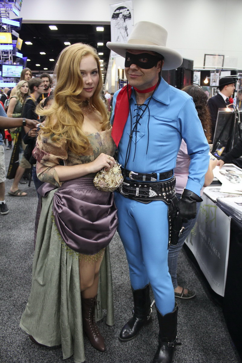 With my good friend Ruben Procopio who was dying to see how the Lone    Molly Quinn Steampunk
